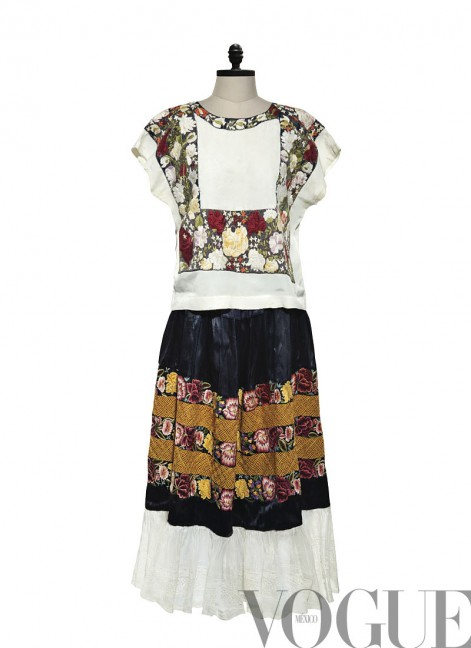 Kahlo_peasantdress_vogue