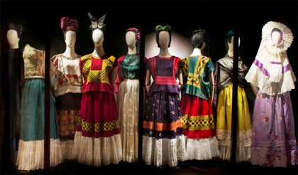 fridakahlo_dresses_exhibition